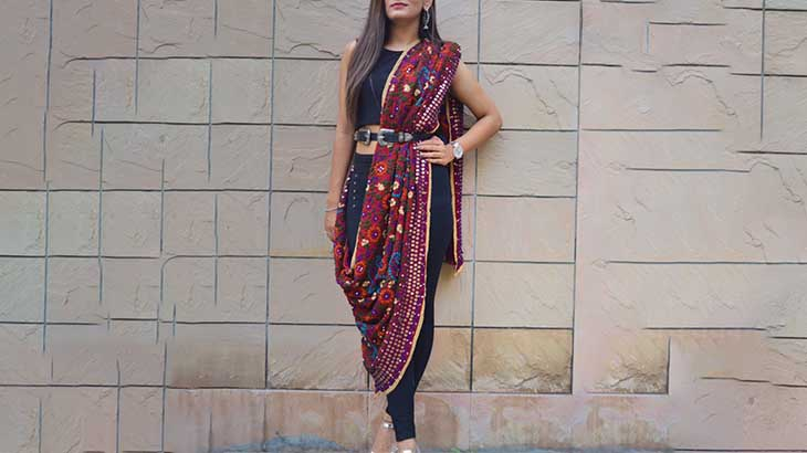 Different Ways to Style Dupatta with Jeans