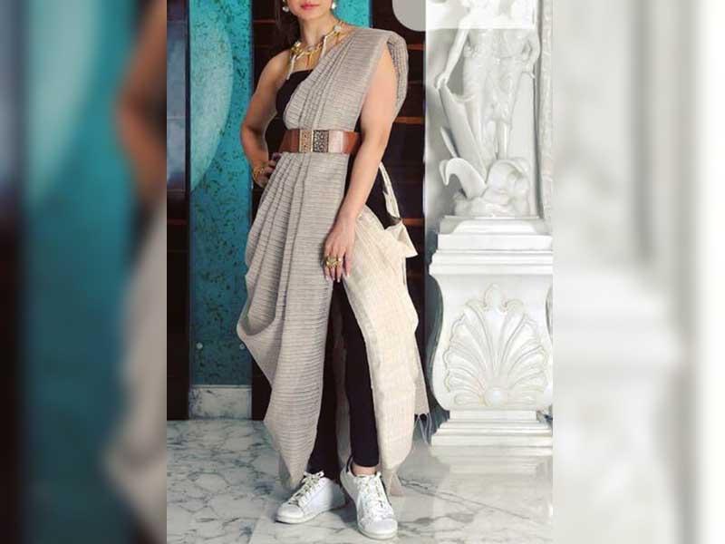 Saree Style Dupatta on Jeans