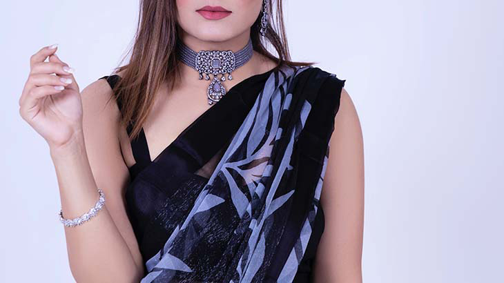 Give Your Traditional Wear a Modern Twist with Hunar Online